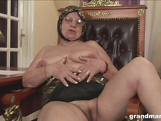 Of age BBW granny fucked from behind hardcore in a hotel room