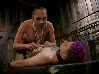 Asian TS dominating coupled with chaffing her sub
