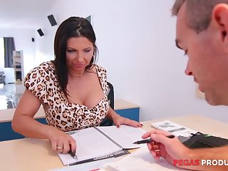Tantalizing cleavage be worthwhile for seductive lady boss Missy Gold drives him crazy