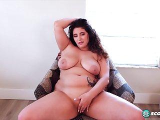BBW belle Christy Sparks solo video