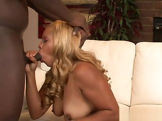 Raunchy Tia Topaz doused in jizz after BBC banging