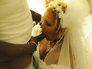 My cuckold hubby lets me have some fun close by a black cadger on our bridal night