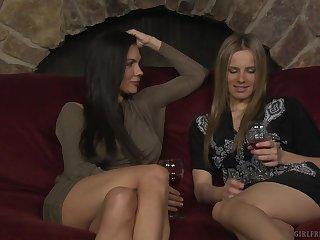 Kirsten Price and Jillian Janson share snacks before amazing mating
