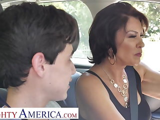 Mature stepmom bring on stepson to make divert