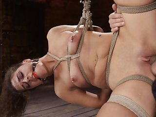 Rough torture session apropos pussy pounding for skinny Victoria Voxxx