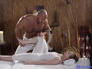Lady Bug's massage loops into standing 69 and hot screwing